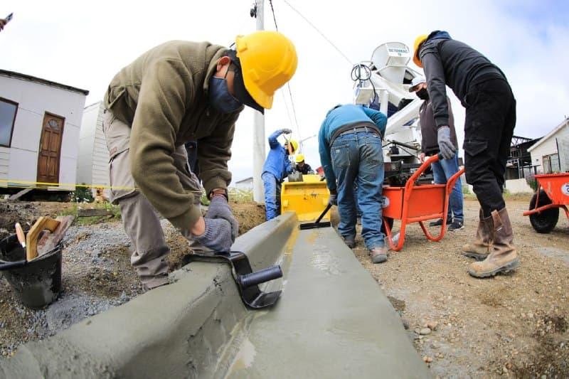 Obra pública: comenzó la construcción de cordones en el barrio UOM Circunvalación