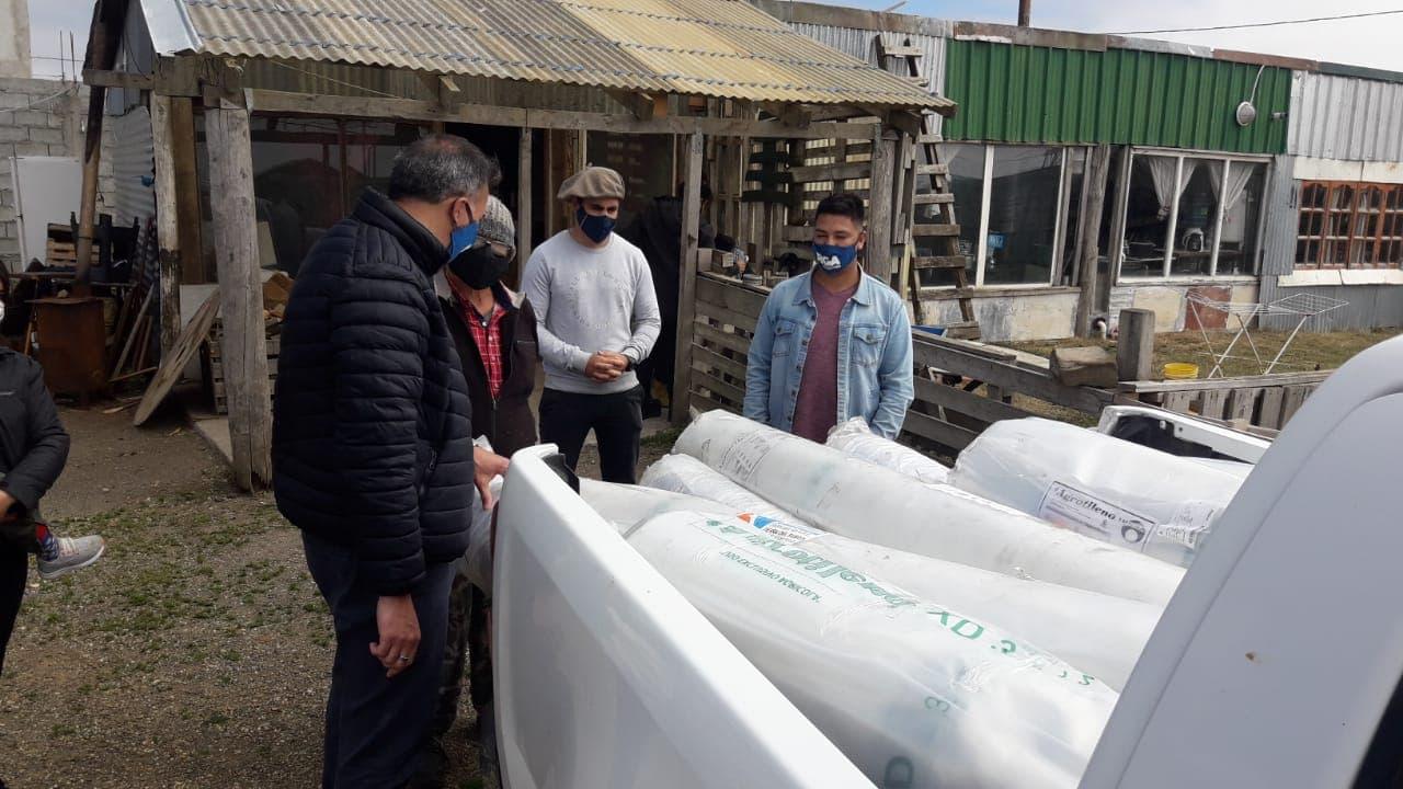 El municipio entregó material a productores hortícolas