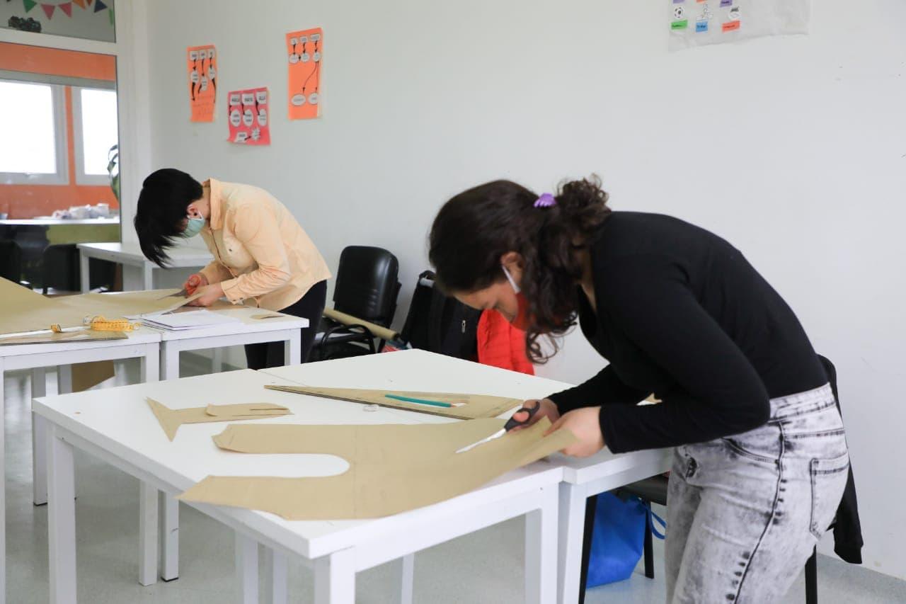 """Más de 200 jóvenes participan de los talleres de verano en """"Casa de Jóvenes"""""""