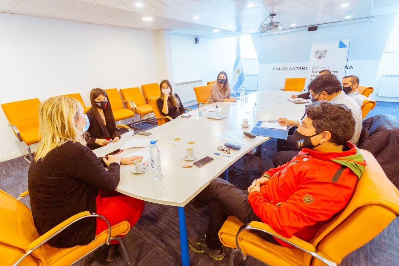 El ministerio de salud y veteranos de guerra definen el protocolo para el acto oficial recordando la gesta de Malvinas