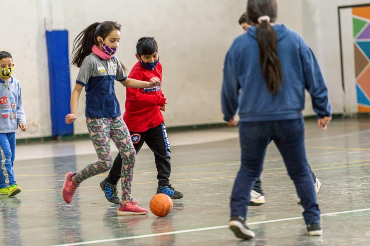 """Más de 1200 niños y niñas disfrutaron de las actividades de """"invierno en TDF"""""""